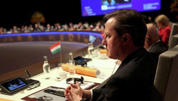 Британский премьер Дэвид Кэмерон на встрече с главами европейских стран в Гааге. Фото с места события