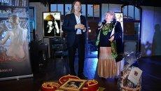 Художник Никас Сафронов на вечеринке в честь празднования своего дня рождени