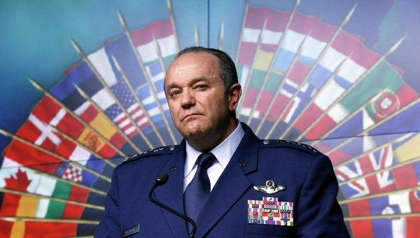 Главнокомандующий силами НАТО в Европе генерал Филип Бридлав. Архивное фото