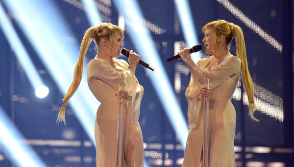 Певицы Мария и Анастасия Толмачевы выступают в полуфинале 59-го международного конкурса песни Евровидение-2014 в Копенгагене
