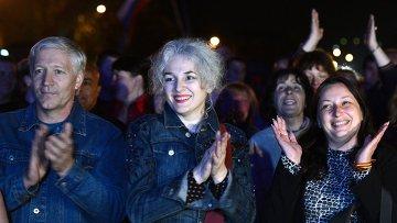 Концерт и митинг, посвященный референдуму о статусе Донецкой республики