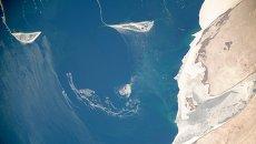 Вид из космоса на Аральское море. Архивное фото