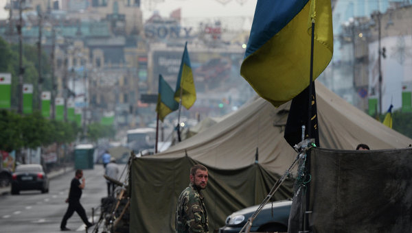 Часть палаточного городка, оставшаяся после акций сторонников Евроинтеграции на площади Независимости в Киеве. Архивное фото