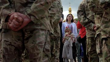 Военные украинской армии на церемонии присяги батальона Азов на верность