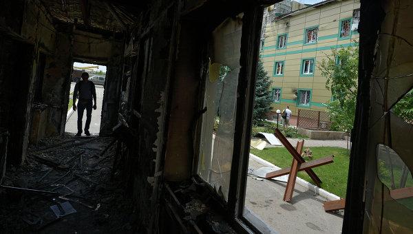 Контрольно-пропускной пункт погранзаставы Луганска, архивное фото