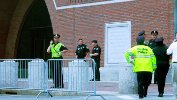 У здания суда в Бостоне, где проходят слушания по делу Джохара Царнаева. Архивное фото