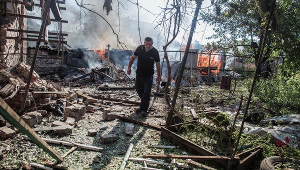 Последствия артобстрела Славянска украинскими военными. Архивное фото