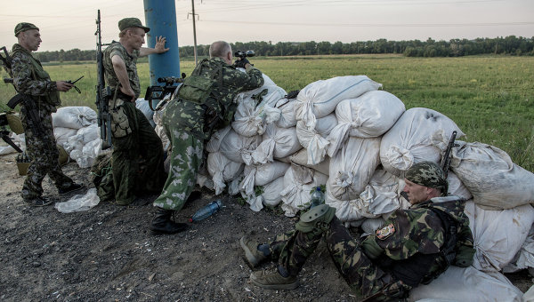 Бой за аэропорт в Донецке. Архивное фото