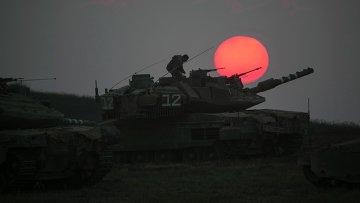 Израильские военные возле сектора Газа 21 июля 2014