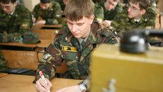 Студенты военной кафедры. Архивное фото