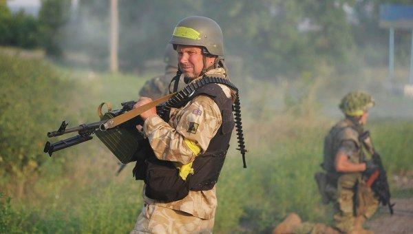 Солдат украинской армии батальона Донбасс возле Первомайска