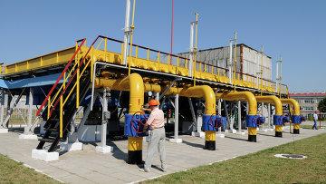 Работа Шебелинского отделения управления переработки газа. Архивное фото