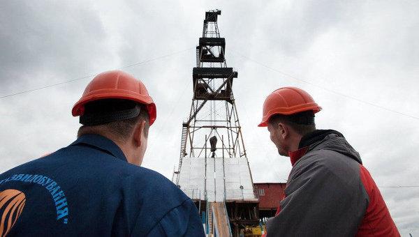 Рабочие на предприятии Укргаздобыча. Архивное фото