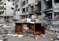 Письменный стол на улице города Бейт-Лахия на севере сектора Газа