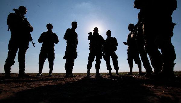 Солдаты украинской армии в Луганске. Архивное фото