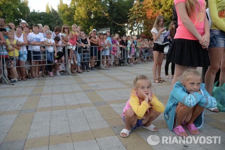Зрители на фестивале Союзного государства Творчество юных в Анапе