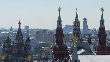 Виды на Красную площадь и собор Василия Блаженного. Архивное фото