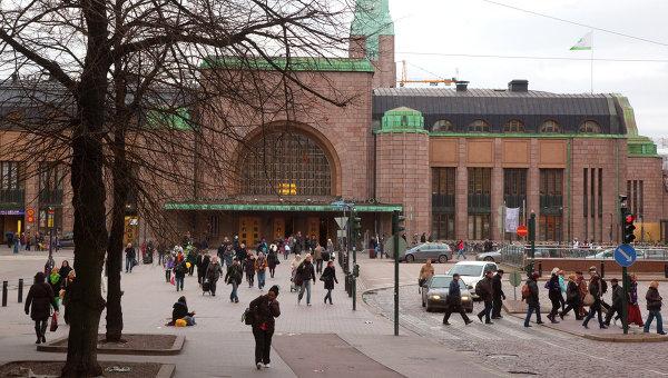 Здание городского железнодорожного вокзала в Хельсинки. Архивное фото