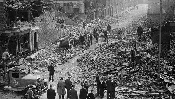 Резултат с изображение за бомбардировки над Лондон