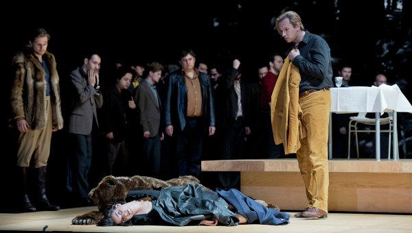 Сцена из спектакля «Чародейка» Чайковского