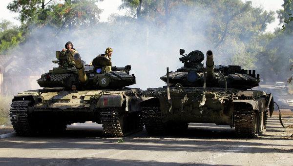 Бойцы ополчения в Луганске. Архивное фото