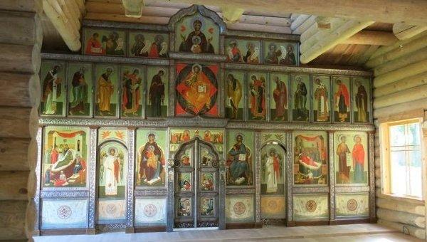 Иконостас православной церкви Рождества Богородицы в Париже