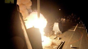Запуск ракеты Томагавк с борта корабля ВМС США в Красном море 23 сентября 2014