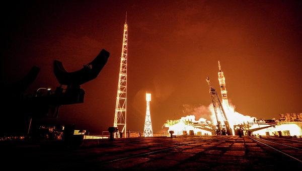 Старт ракеты Союз ТМА-14М на космодроме Байконур