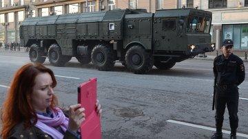 Репетиция военного парада на Красной площади в Москве.  Архивное фото