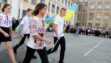 Начало учебного года в школах Украины. Архивное фото