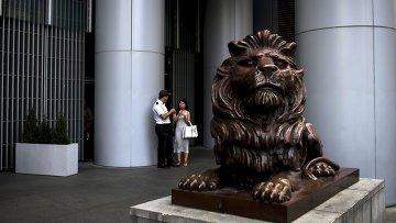 Скульптура на одной из улиц района Central в Гонконге