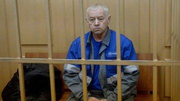 Водитель снегоуборочной машины Владимир Мартыненко