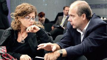 Руководитель отдела международной политики венгерской газеты Magyar Nemzet Габор Штир (справа)