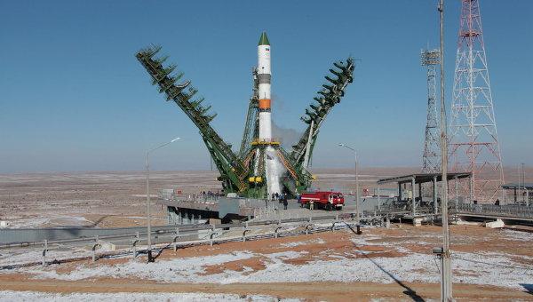 Ракета-носитель Союз 2.1а с транспортным грузовым кораблем Прогресс М-25М перед пуском с космодрома Байконур. Архивное фото