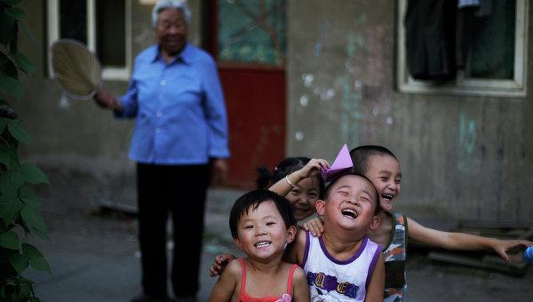 Дети на улице Пекина. Архивное фото