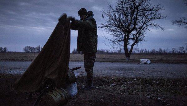 Ополченец в Донбассе, архивное фото