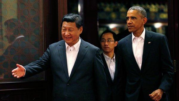 Глава КНР Си Цзиньпин и президент США Барак Обама на саммите АТЭС в Пекине