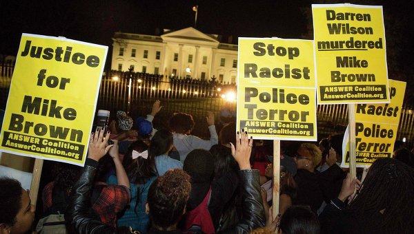 Протесты на улицах города Фергюсон, штат Миссури после объявления приговора