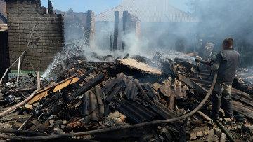 Разрушенные частные дома в Донецкой области. Архивное фото