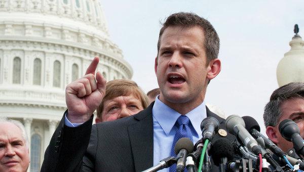 Конгрессмен-республиканец от штата Иллинойс Адам Кинзингер. Архивное фото