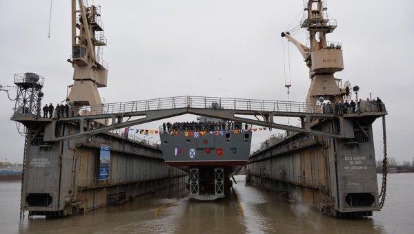 Торжественная церемония спуска на воду фрегата Адмирал флота Касатонов в Санкт-Петербурге