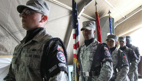 Военнослужащие армии США во время торжественного собрания. Архивное фото
