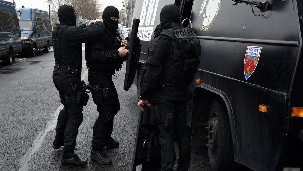 Французский полицейский спецназ, архивное фото