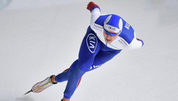 Денис Юсков на чемпионате Европы по конькобежному спорту в Челябинске