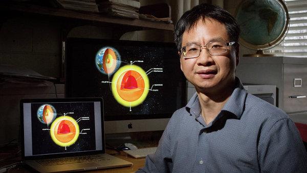 Один из авторов открытия, Сяодун Сун