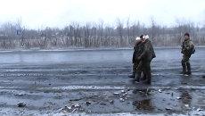 Ополченцы ДНР взяли в плен украинских солдат. Кадры с места боя под Логвиново