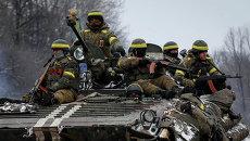 Бронемашина украински военных возле Дебальцево
