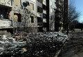 Здание подвергшееся обстрелу украинской армией в Донецке