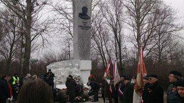 Памятник  Черняховскому в польском городе Пененжно. Архивное фото