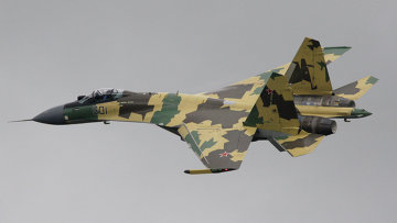 Многоцелевой истребитель Су-35, архивное фото
